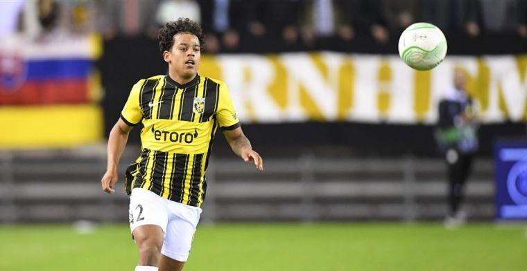 Vitesse is talentvolle Manhoef weken kwijt na knieoperatie